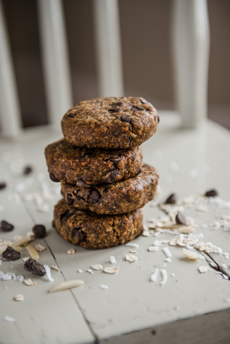 Almond, coconut and oat breakfast cookie